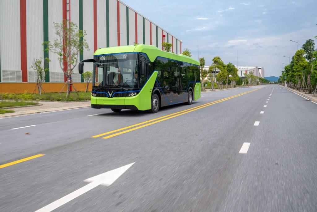 Chiếc xe Vinbus được thiết kế ấn tượng và trang bị nhiều công nghệ hiện đại.