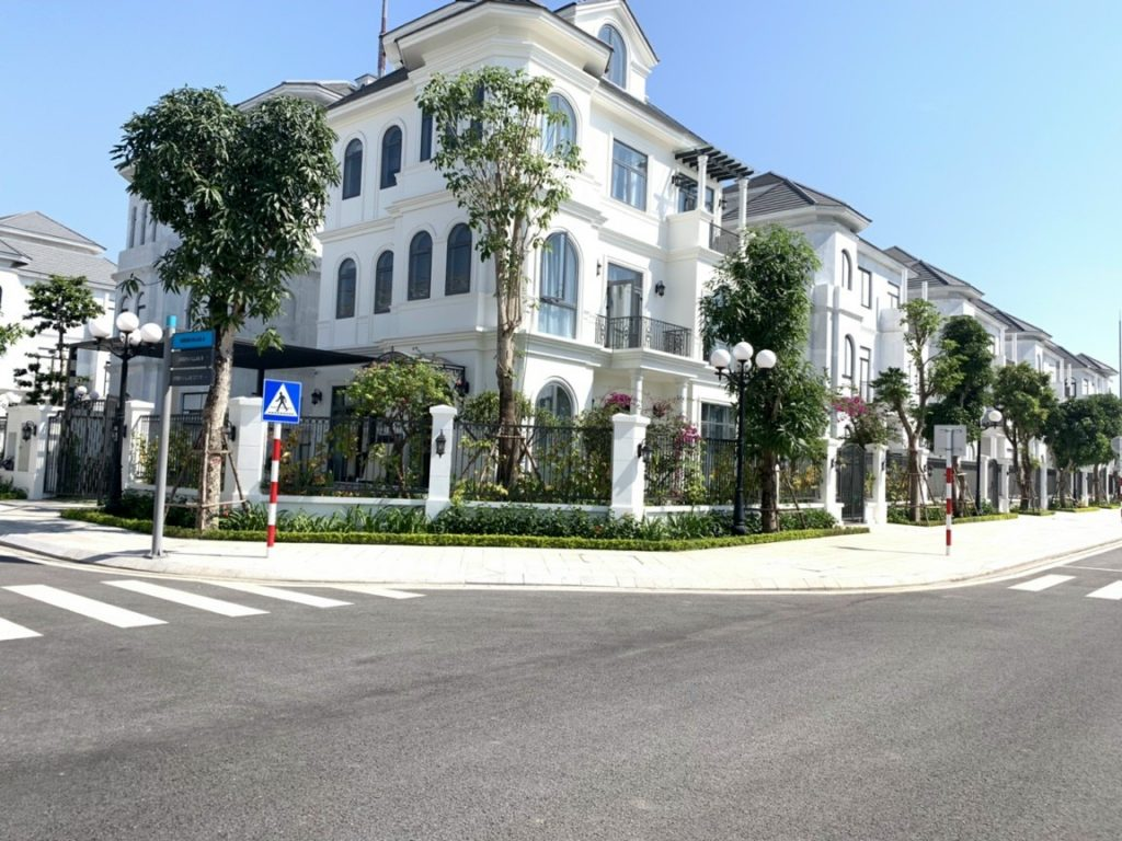 biet-thu-vinhomes-green-villas-smart-city-04